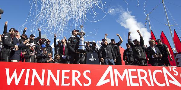「オラクルチームU.S.A」が第34回アメリカズカップで優勝