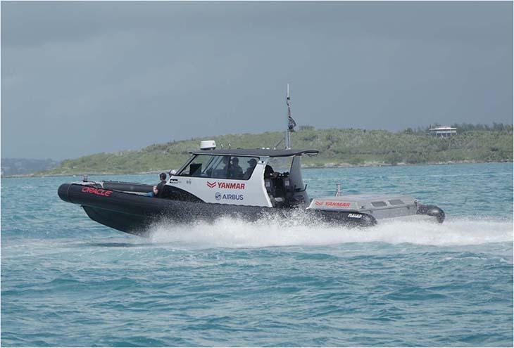 ヤンマー製ディーゼルエンジンとドライブシステムを搭載した伴走艇「YANMAR1」