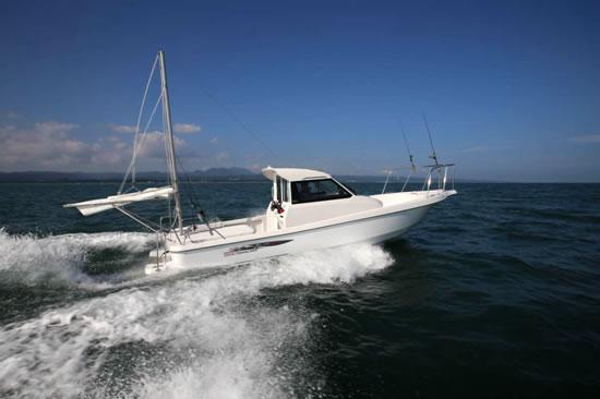フィッシングボート「Zarpa26Ⅱ」(写真はオプション等を含む)