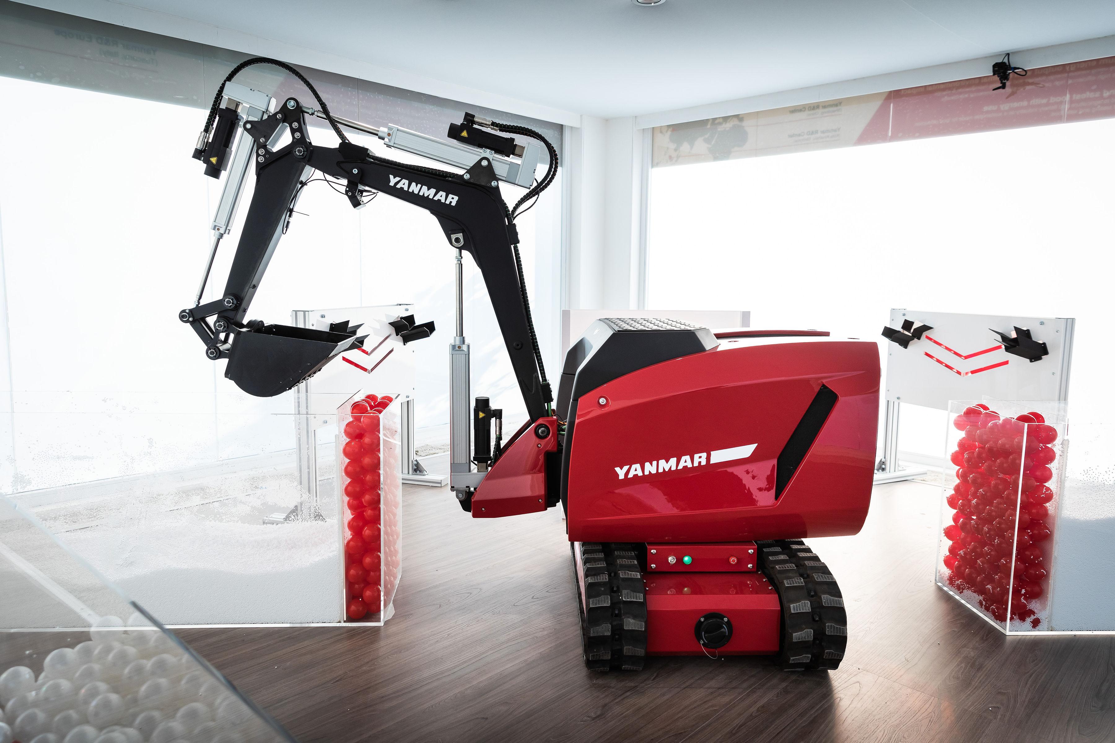 Yanmar Heavy Plant Excavator and bb Key