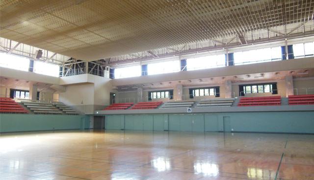 体育館内観